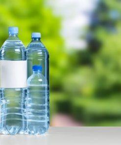 Flaskor med etiketter